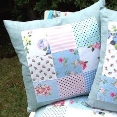 For ages now I've been keeping my eye out for the perfect fabric to make cushion covers. Sewing Pillows, Diy Pillows, Custom Pillows, Decorative Pillows, Cushions, Diy Cushion, Cushion Covers, Pillow Covers, Patchwork Cushion