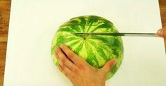 Τόσο Καιρό Κόβουμε με Λάθος Τρόπο το Καρπούζι. Δείτε μια Έξυπνη Ιδέα!: http://biologikaorganikaproionta.com/health/225610/