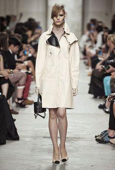 <3 ein Traum <3  Chanel – Cruise Collection 2014 – ELLE