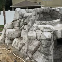We are a subcontracting firm established and certified in the central Florida specializing in artistic carving in concrete waterfalls and concrete grottos. Ponds Backyard, Backyard Landscaping, Backyard Waterfalls, Grotto Pool, Concrete Art, Concrete Sculpture, Artificial Rocks, Florida Pool, Pool Fountain