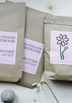 Selbstgemachte Samenbomben in einer schönen Verpackung. Ist doch mal eine schöne Geschenkidee für Blumenfreunde ;-) - seedbombs diy