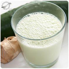 Este batido de pepino, yogurt y miel es perfecto para personas que están haciendo algún tipo de régimen alimentario.
