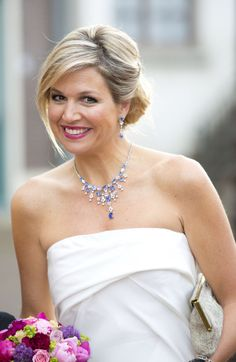 Happy Birthday to Queen Maxima of the Netherlands 🎂🎉❤ Maxima Zorreguitea was born on May 1971 in Buenos Aires, Argentina and… Royal Dutch, Dutch Queen, Royal Queen, Casa Real, Estilo Fashion, Queen Maxima, Royal House, Royal Jewels, Prince And Princess
