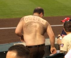 A fan's devotion to his favorite player sometimes knows no boundaries. And this Brian Dozier fan took his feelings for the Minnesota Twins. Funny Basketball Pictures, Baseball Pictures, Basketball Funny, Funny Sports Quotes, Sports Humor, Minnesota Twins, Hockey Teams, Baseball Field, Interesting Stuff