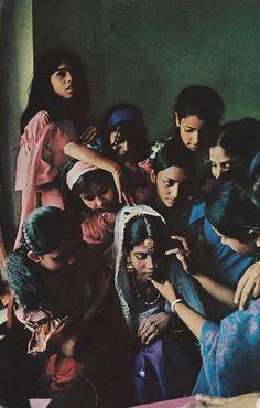 Bangladeshi women gently prepare a bride for her wedding National Geographic Jaisalmer, Udaipur, India For Kids, National Geographic Photography, Animal Science, Mahatma Gandhi, People Photography, Varanasi, Anthropology