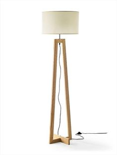 Table Lamp Wood, Wooden Lamp, Diy Table, Giraffe Lamp, Beige Living Rooms, Standard Lamps, Home Wall Decor, Wooden Crafts, Tripod Lamp