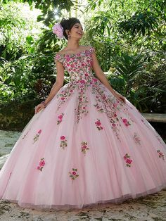 Tulle Ball Gown, Ball Dresses, 15 Dresses, Pretty Dresses, Ball Gowns, Fashion Dresses, Pageant Dresses, Quince Dresses Mexican, Mexican Quinceanera Dresses