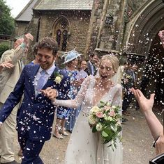 Photo courtesy of For more photos see photography by Krishanthi (website below). Got Married, Getting Married, Morgan Davies Bridal, Wedding Bouquets, Wedding Dresses, Event Services, Party Venues, Bridal Flowers, Wedding Ceremony