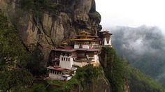 #Templul Taktshang, Regatul Bhutan  23 de poze cu cele mai frumoase biserici si temple din lume.  Vezi mai multe poze pe www.ghiduri-turistice.info  Sursa : www.wikipedia.org