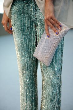 sequins on sequins, or Mermaid pants! Looks Street Style, Looks Style, Style Me, Pastel Outfit, Mermaid Pants, Baggy Pants, Hot Pants, Trousers, Mode Lookbook
