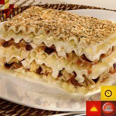 Lasanha de Bacalhau com Farofa de Biscoito e Ervas