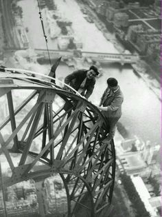 Unknown Photographer - Electricians Working on the Eiffel Tower, Paris, From Museum Syndicate.Inspiration for your Paris vacation from Paris Deluxe Rentals Vintage Pictures, Old Pictures, Old Photos, Old Paris, Vintage Paris, Paris Cat, Rare Photos, Vintage Photographs, Belle Photo