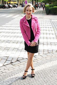 Black Bata Heels featured on .MEET by Sofia - Czech Republic