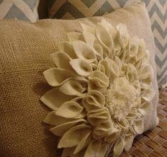 beautiful pillow - felt flower on burlap -- DIY tutorial ~~~