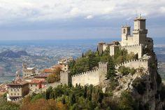La Repubblica di San Marino - Cosa vedere: Musei, Monumenti e la mappa in PDF.