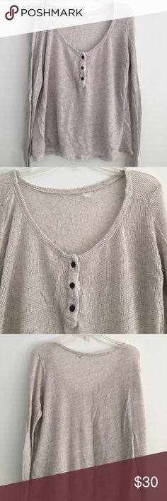 Brandy Melville long sleeve top good condition, one small hole in top back Brandy Melville Tops