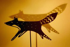 Papercut Fox Shadow Puppet by Su Owen Shadow Theatre, Toy Theatre, Shadow Art, Shadow Play, Shadow Puppets, Hand Puppets, Paper Cutting, Best Graffiti, Graffiti Artwork