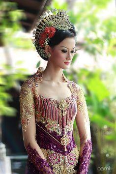 kebaya traditional javanese clothes by nandamegumi