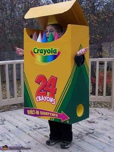 Keep it colorful in this crayon costume. 33 Super Easy Cardboard Box Halloween Costumes For Lazy People Most Creative Halloween Costumes, Boxing Halloween Costume, Homemade Halloween Costumes, Halloween Costume Contest, Halloween Kostüm, Costume Ideas, Halloween Couples, Group Halloween, Chicken Halloween