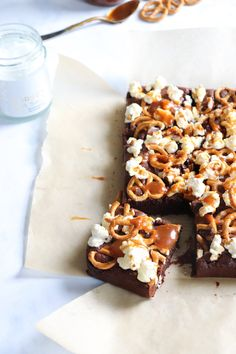 Salted caramel popcorn pretzel brownies — Baking Martha