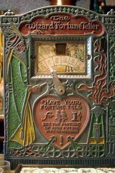 Der Wahrsager - Oracles & Fortune Telling - Fale Art Nouveau, Look Vintage, Retro Vintage, Vintage Games, Antique Toys, Vintage Antiques, Tarot, Juke Box, Flipper