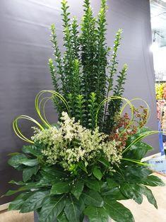 Altar Flowers, Church Flowers, Funeral Flowers, Artificial Flower Arrangements, Artificial Flowers, Green Plants, Green Flowers, Floor Vase Decor, Fresh Rose Petals