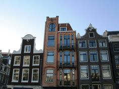 A modern reflection of those narrow buildings
