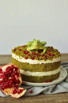 vanilla moss cake/vanilkový mechový dort Moss Cake, Cheesecake, Vanilla, Food, Cheesecakes, Essen, Meals, Yemek, Cherry Cheesecake Shooters