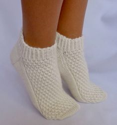 Awesome Socks, Cool Socks, Knit Socks, Knitting Socks, Addiction, Projects To Try, Crochet, Room, Crafts