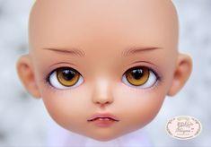 ::. 𝐂𝐮𝐬𝐭𝗼𝗺 𝐟𝐚𝐜𝐞-𝐮𝐩 .:: Lati yellow Sophie TS. www.nomyens.com #bjd #abjd #balljointdoll #dollofstargram #instadoll #dollstargram #toy #paint #painting #painted #repaint #handmade #nomyens #nomyensfaceup #latidoll #latiyellow #latiyellowdoll #lati #lati #tinydoll #tinydolls #latisophie #dolltanskin Star G, Tiny Dolls, Tan Skin, Ball Jointed Dolls, Bjd, Cosmetics, Yellow, Toys, Face