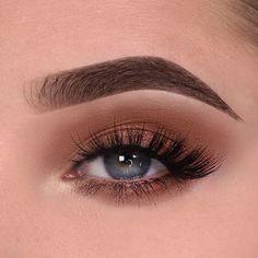 Eye Makeup Steps, Natural Eye Makeup, Smokey Eye Makeup, Eyeshadow Makeup, How To Makeup Eyes, Glitter Eyeshadow, Eyeshadows, Makeup Brushes, Makeup Inspo