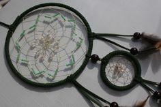 Rosenquarz und Perlen im dunkelgrünen Schlafhüter von TRAUMnetz.com     ** DReamcatcher u.v.m.  ** auf DaWanda.com