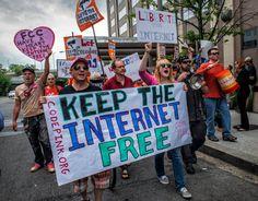FCC Extends Net Neutrality Deadline After Website Crashes