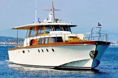 Classic yachts for sale. Motor boats and yachts for sale. Power boats, sailing boats, motoryachts for sale from Sandeman Yacht brokerage Poole, Droset, UK.