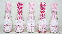 Mini Milk Bottles with Doilies,Twine and paper straws - so pretty! Mini Milk Bottles, Bottles And Jars, Straw Valentine, Valentines, Bullet Journal Hand Lettering, Diy Straw, Cowgirl Party, Bday Girl, Paper Straws