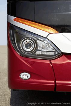 Mercedes Benz-Setra S515HD Adaptive Xenon Headlamps,LED Turn Signal Lamps With Cornering Lamps,LED Parking Lamps & HID Yellow Foglamps
