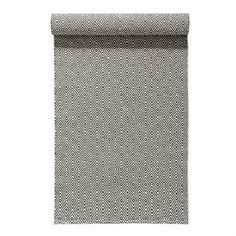 This Salt rug in charcoal grey from Nordic Nest combines the classic goose eye pattern with a new, modern material that gives it new life. It's a wonderful plastic rug that is produced in a Swedish weaving mill that have woven rugs since 1956. It's very durable and easy to clean. Works well in the country kitchen, hallway or porch!