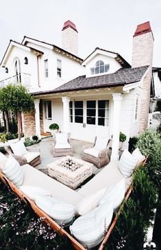 Patio season is upon us! Backyard design and landscaping can transform your outdoor living space! Outdoor entertaining is made better with these easy backyard treatments.