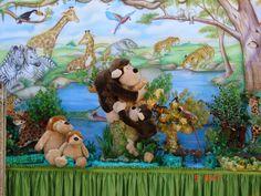 A África e os animais da Selva vão invadir sua festa! Leopardos, Gorilas, Elefantes, Girafas, Leões, Panteras, Zebras, Hipopótamos,  Crocodilos e muito mais,  vão fazer com que sua festa de aniversário infantil tenha contatos com a natureza muita aventura. Todos vão adorar a homenagem que fizemos  à  natureza c/o tema Safari, que tem um cenário colorido, com muito visual e emoção. Sua festa de aniversário infantil vai ficar inesquecível. Vale a pena conferir Sugerido qualquer idade – Unissex