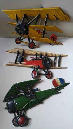 Vintage metal Airplanes by Homco / 1975 / set of 3 / aviation , bombers , war planes Check out this item in my Etsy shop https://www.etsy.com/ca/listing/552542185/vintage-metal-airplanes-by-homco-1975