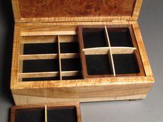Boîte à bijoux ronce de noyer avec compartiment Secret par watswood