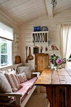 Cottage of The Week: A Cottage for Two - Home Bunch - An Interior Design & Luxury Homes Blog
