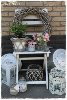 New cottage patio ideas lanterns Ideas Balcony Chairs, Garden Chairs, Balcony Garden, Farm Gardens, Small Gardens, Outdoor Gardens, Outdoor Hammock, Outdoor Chairs, Outdoor Decor
