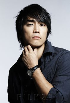 Image from http://www.dramafever.com/st/img/wp/2009/12/Song_Seung_Heon_1.jpg.