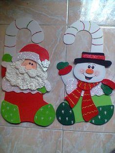 Viejos pascueros de goma Eva Felt Christmas, Christmas Projects, Christmas Holidays, Christmas Decorations, Christmas Ornaments, Foam Sheet Crafts, Foam Crafts, Diy And Crafts, 242