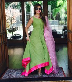 In love with this Anushree piece .  #comeandshop #sangeetoutfit #greenandpink #anushreereddy