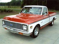 1972 CHEVROLET CHEYENNE TRUCK - Front 3/4 - 133228