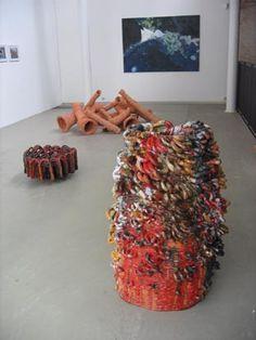 """2005 diplomarbeit, hochschule für künste bremen, ceramics, """"wiederholung einer einfachen form"""" by s. meissner"""