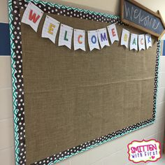 Need some new classroom bulletin board background ideas?  Check out this fun…