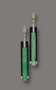 Art Deco earrings, gold, platinum, jade and diamomds. Gerard Sandoz, 1925.
